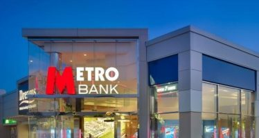 Metro-Bank-Borehamwood-Store-1