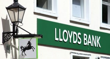 61427465 - lloyds bank sign, colchester, essex