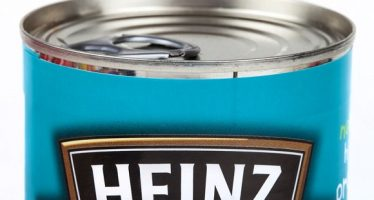 58700409 - london, uk - may 6th 2016: a close-up shot of the heinz logo on a tin of baked beans, on 6th may 2016.